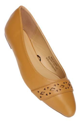 ALLEN SOLLY -  MustardBAN_Allfootwear - Main
