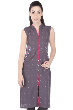 W Women Embroidered Kurta