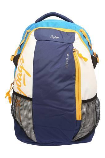 C151 -  WhiteBackpacks - Main