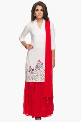 KASHISH Womens V Neck Embroidered Kurta, Skirt And Dupatta Set