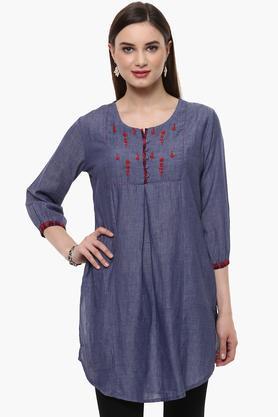 RANGRITIWomens Round Neck Embroidered Solid Kurta (Plus Size) - 201505039