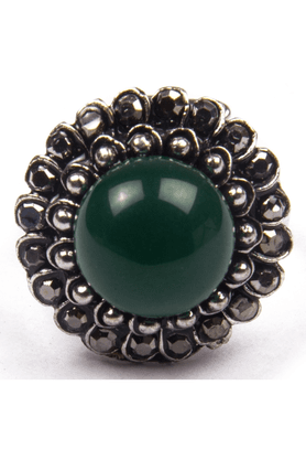 TRIBAL ZONE Big Green Stone In The Heart Of Flower Shape Ring