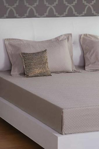 Light Brown 300 TC Jacquard King Bedsheet With 2 Pillow Cover (Bedsheet Set (King)