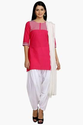 AURELIA Womens Embroidered Kurti