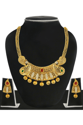 ZAVERI PEARLS Womens Gold Plated Necklace Set - 200929062