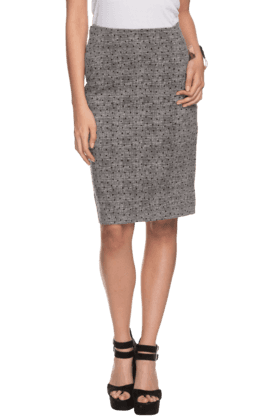 FEMINA FLAUNT Women Knee Length Slim Fit Skirt