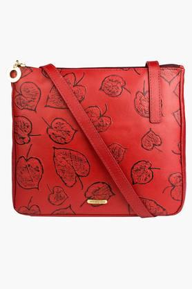 106b758454ce X HIDESIGN Womens Keaton Zipper Closure Sling Bag