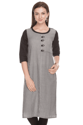 AURELIA Women Slim Fit Stripe Kurta