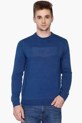 LEVISMens Regular Fit Round Neck Solid Sweater