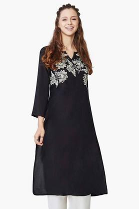 GLOBAL DESI Womens Clover Embroidered Kurta