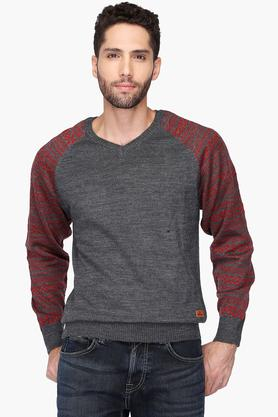 WROGNMens V Neck Slub Raglan Sweater