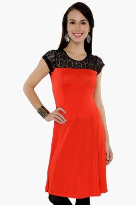 IRA SOLEIL Womens Round Neck Colour Block Lace Kurta