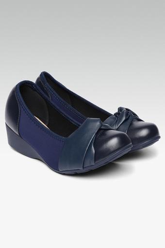 B353 -  NavyCasuals Shoes - Main