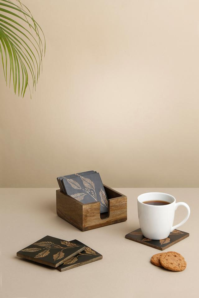 BACK TO EARTH - BrownTable Accessories - Main