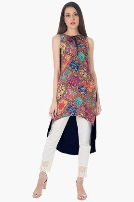 INDYA Womens Tie Up Neck Dipped Hem Printed Kurta