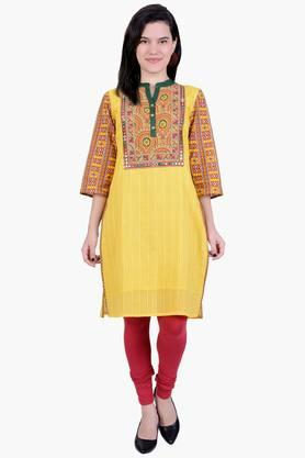 JUNIPER Women Cotton Dobby Three Quarter Sleeves Kurta