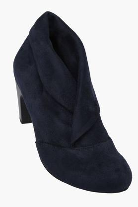 LEMON & PEPPER Womens Suede Slip On Ankle Boots
