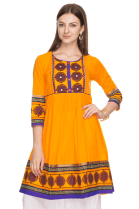 HAUTE CURRY Womens Printed Kurta - 201020830