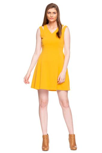 COVER STORY -  Mustard Dresses - Main