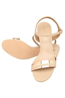 Womens Casual Wear Buckle Closure Heeled Sandals