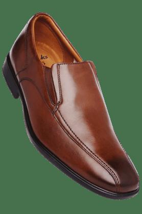 CLARKSMens Leather Slipon Formal Shoe