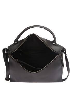 6f44f73efcc Buy Baggit Handbags & Wallets Online | Shoppers Stop