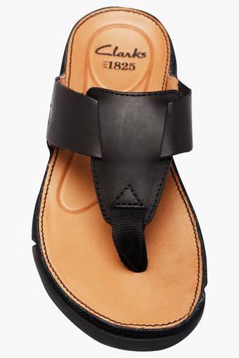 Sandals Clarks mens sandal   Shoppers Stop