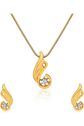 MAHI Gold Plated Dancing Fire Flame Pendant Set For Women NL1101716G