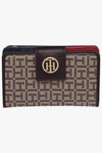 e614ba2522b Buy TOMMY HILFIGER Womens Snap Closure 1 Fold Wallet   Shoppers Stop
