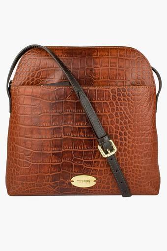 Womens Claea Zipper Closure Sling Bag