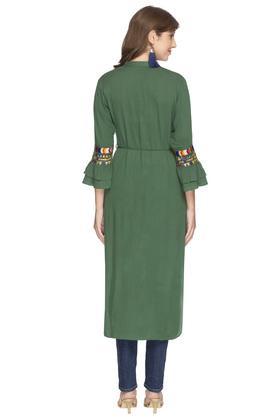 Womens Mandarin Collar Slub Embroidered High Low Kurta