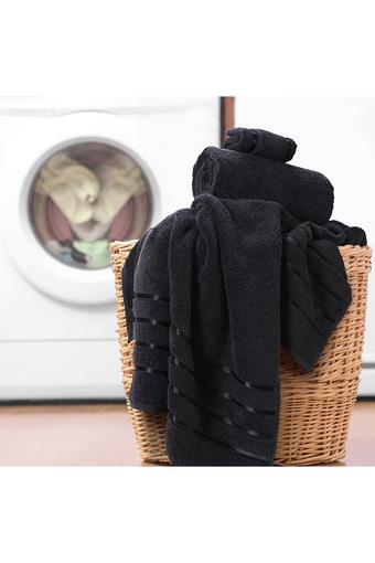 SPREAD -  BlackBath Towel - Main