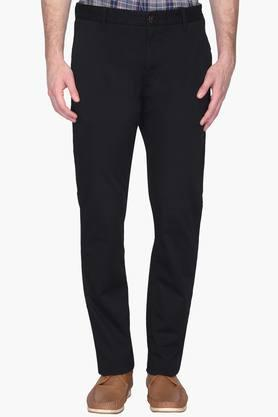 LOUIS PHILIPPE SPORTSMens Slim Fit 4 Pocket Solid Chinos (Steven Tapered Fit)