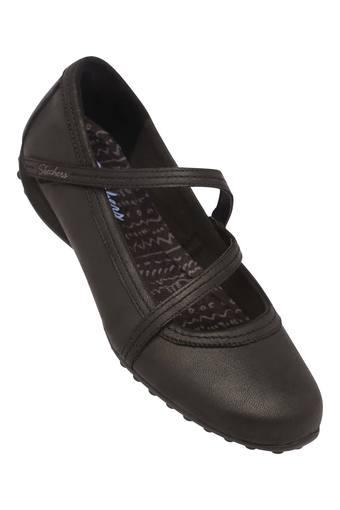 SKECHERS -  BlackCasuals Shoes - Main