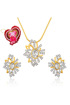 MAHI Mahi Valentine GiftLove White Aster Flower Pendant Set Made With Swarovski Elements With Heart Shaped Card For Women NL5104130GWhiCd