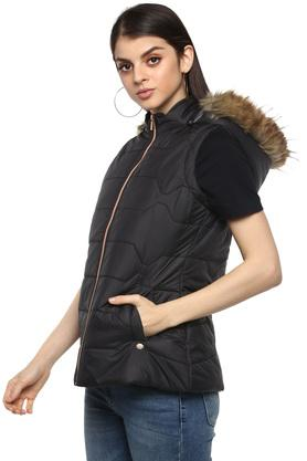 Womens Hooded Neck Solid Quilted Jacket