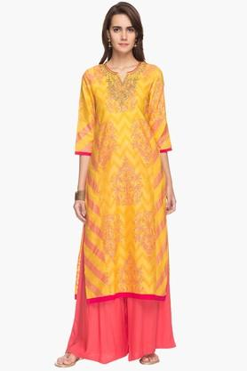 RS BY ROCKY STAR Womens Notched Neck Embroidered Kurta