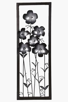 MALHAR Wrought Iron Tin Daisy Silver Flower Panel Wall Decor