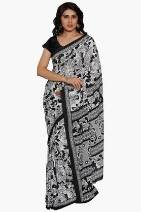 Women Floral Printed Crepe Saree With Printed Border