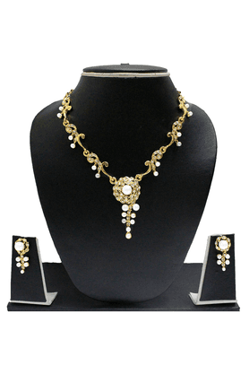 ZAVERI PEARLS Floral Pearl Necklace Set - ZPFK1089