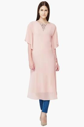 AND Women Solid Boat Neck Kurta  ...