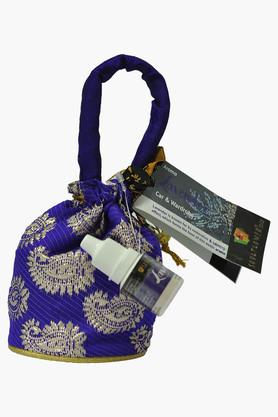 SOULFLOWERCar And Wardrobe Aroma Pouch With Aroma Oil