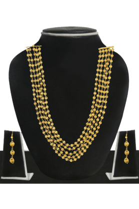ZAVERI PEARLS Womens Gold Plated Necklace Set - 200929096