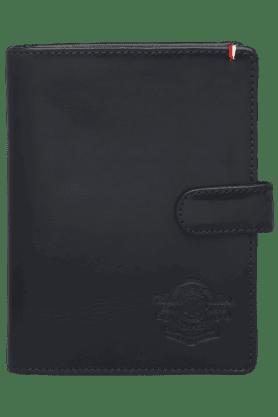 TOMMY HILFIGERMens Leather 1 Fold Passport Holder