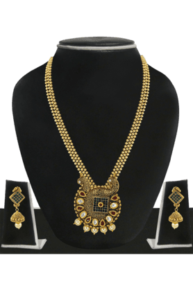 ZAVERI PEARLS Womens Gold Plated Pearl Necklace Set - 200929021