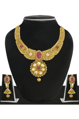 ZAVERI PEARLS Womens Gold Plated Kundan Necklace Set - 200929076