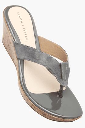 LEMON & PEPPERWomens Slipon Casual Wedge Sandal