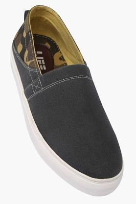 Mens Canvas Slip On Casual Shoes