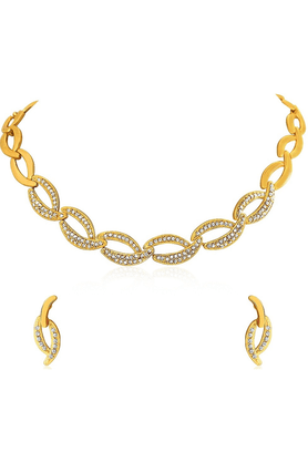 MAHI Oviya Gold Plated Shimmering Crystal Curves Necklace Set For Women NL2103073G