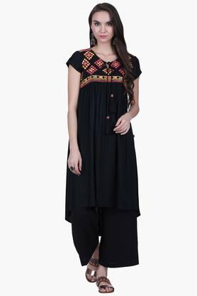 JUNIPER Womens Embroidered Kurta  ...